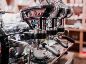 caracteristicas-de-una-buena-maquina-de-espresso-portatil