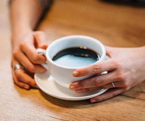 el-agua-usada-para-hacer-el-cafe-puede-calentarse-a-una-temperatura-especifica