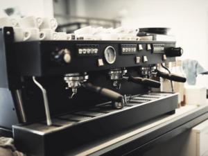 la-importancia-del-mantenimiento-de-cafeteras-industriales